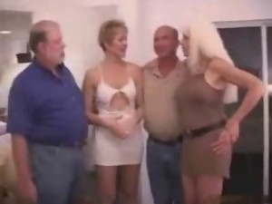 Swingers sex party video. Amateur swingers sex movies. Old and Young swingers adult clips.